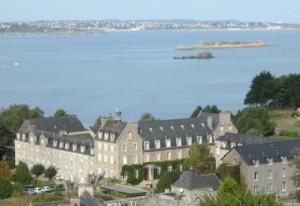 abbaye-de-Saint-jacut-vue-aerienne-580x400